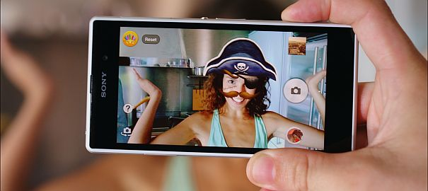 """Sony Xperia Z1 İle Yılın """"Selfie""""lerini Secin"""