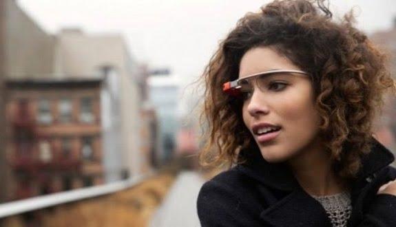 Google Glass'tan Henüz Vazgeçilmiş Değil