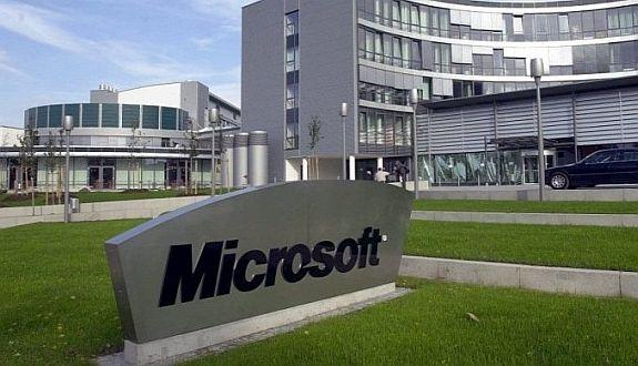 Satya Nadella Microsoft'a Yeni Bir Yol Çiziyor