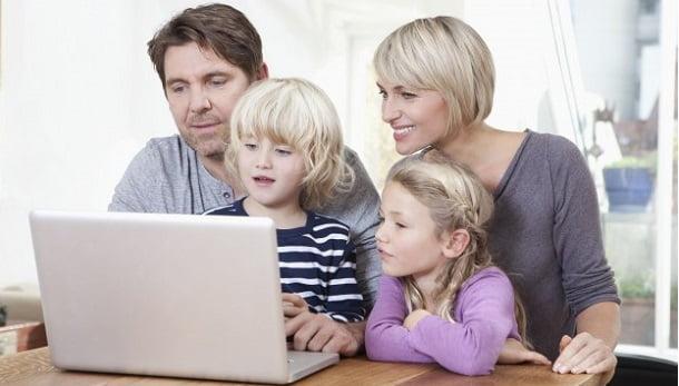 Ailelerin 3'te 1'i çocuklarını internetteki tehditlere dair uyarıyor