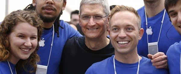 Apple'ın Stajyerleri Paraya Para Demiyor