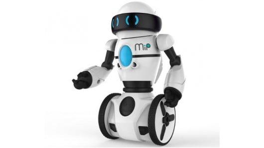 Robotlar neden tartışılıyor?