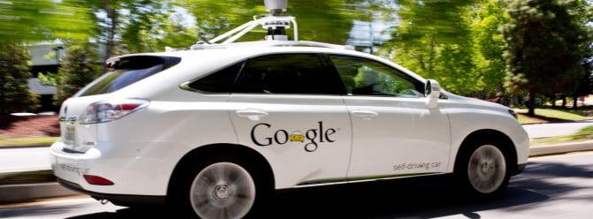Google'un sürücüsüz otomobilleri ilk kazasını yaptı