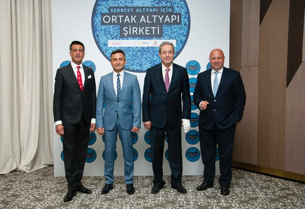 Turkcell, Vodafone ve Türksat, Türk Telekom'a Karşı Birleşti