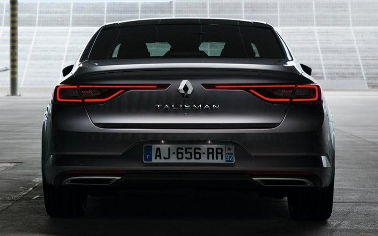 Yeni Renault Talisman Sahneye Çıktı!