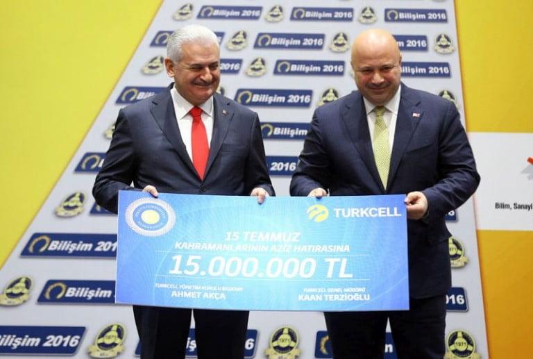 Turkcell'liler 15 Temmuz kampanyasına SMS yağdırdı