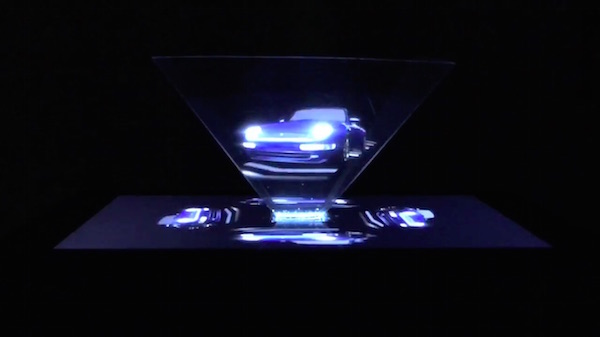 BMW Hologram Teknolojisine Geçiyor