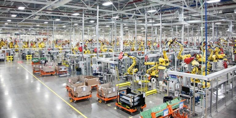 Foxconn,  Robot İşçi 'leri İnsanlara Tercih Etmeye Başladı