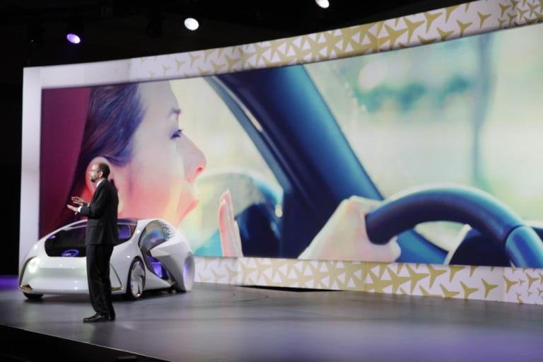 """Toyota Otonom Sürüş İçin Uyardı: """"Acele Giden Ecele Gider"""""""