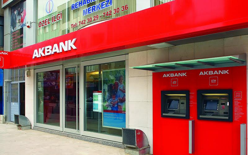 Akbank'ta neler oluyor? ATM ve internet şubesi çalışmıyor