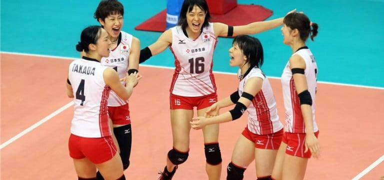 Japon voleybol takımı robotlarla antreman yapıyor