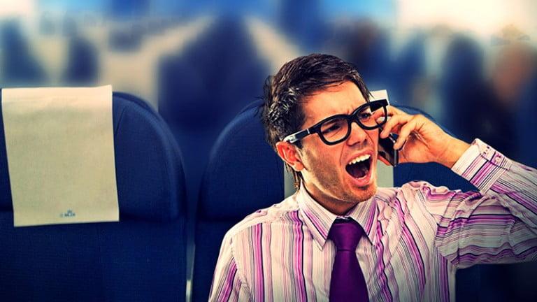 Uçakta Cep Telefonu Yasağı Kalkmıyor