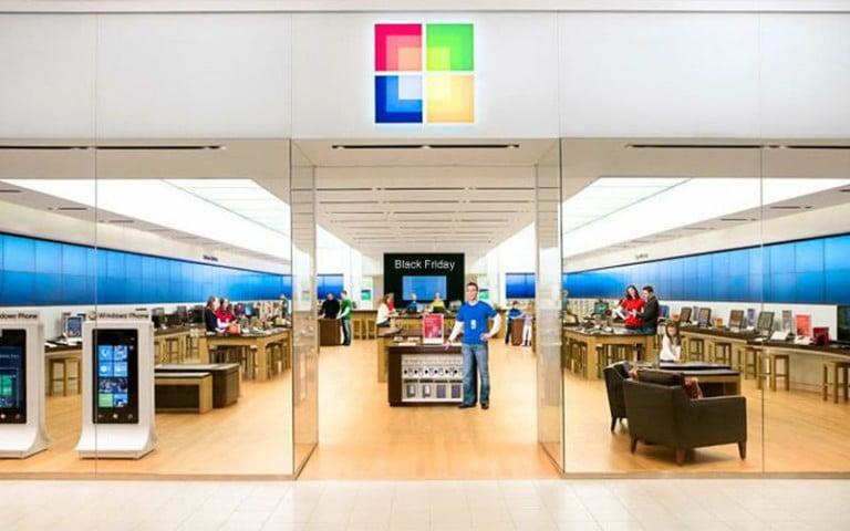 Microsoft, Android Telefonlar Satmaya Başladı