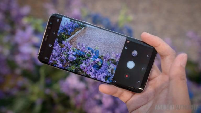 Galaxy S8 Plus ilk güncellemesini aldı