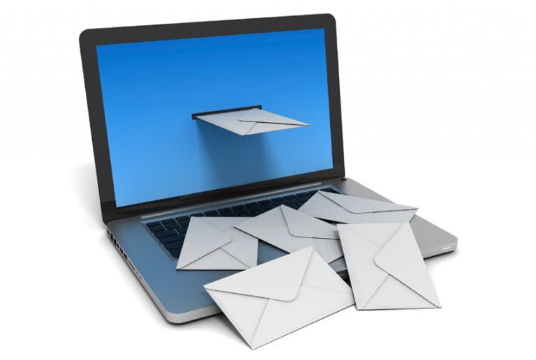 Şaşırtıcı Bir Şekide E-mail İngiltere'de En Yaygın İnternet Aktivitesi Seçildi
