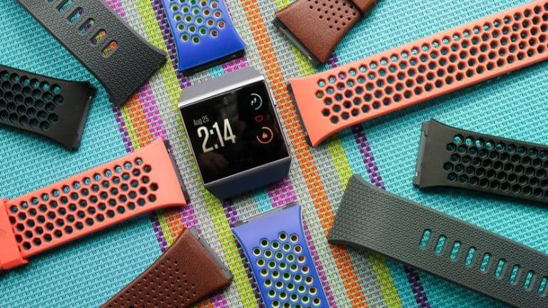 Fitbit İlk Akıllı Saatini Tanıttı