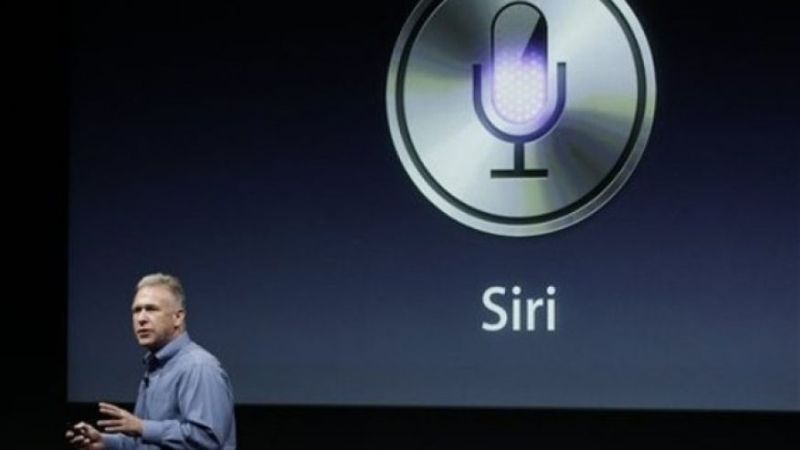 iPhone 8 2011 - Siri