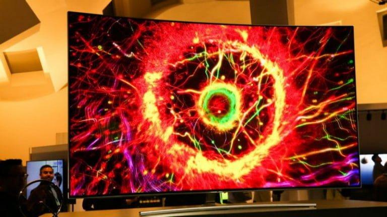 Samsung, 88 inç ve 4K olan televizyonu ile geliyor