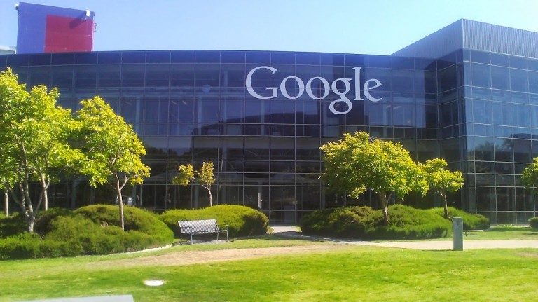 Ve Google, HTC'nin akıllı telefon bölümünü satın alıyor!