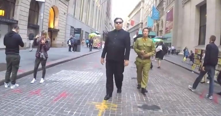 New York'ta 10 saat boyunca Kim Jong Un olarak gezmek