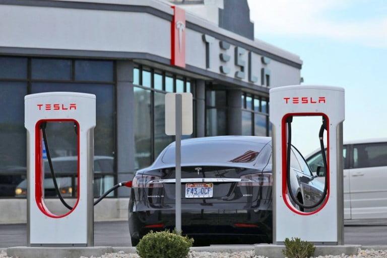 Tesla Süperşarj Kullanımını Bazı Kullanıcılara Yasaklıyor