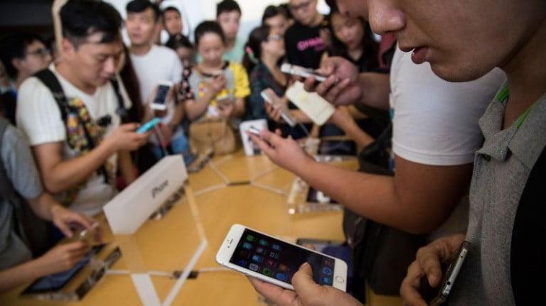 Çin'de Akıllı Telefon Satışları Tarihte İlk Kez Düştü