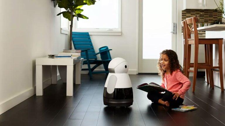 Amazon ilk ev robotu için çalışmaya başladığını duyurdu
