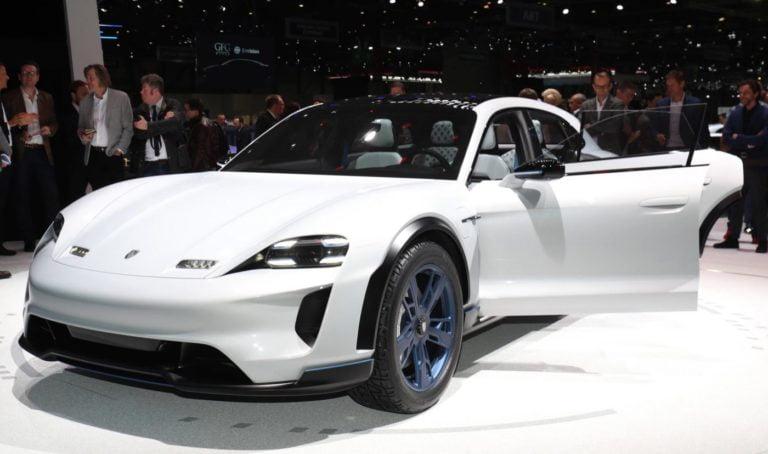 Porsche'nin elektrikli spor otomobili: Taycan