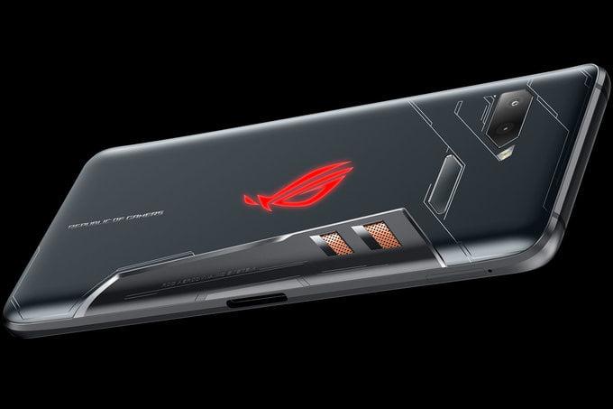 Asus 10GB RAM'li telefon üzerinde çalışıyor!