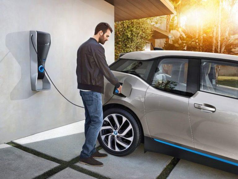İngiltere elektrikli otomobiller konusunda kararlı!