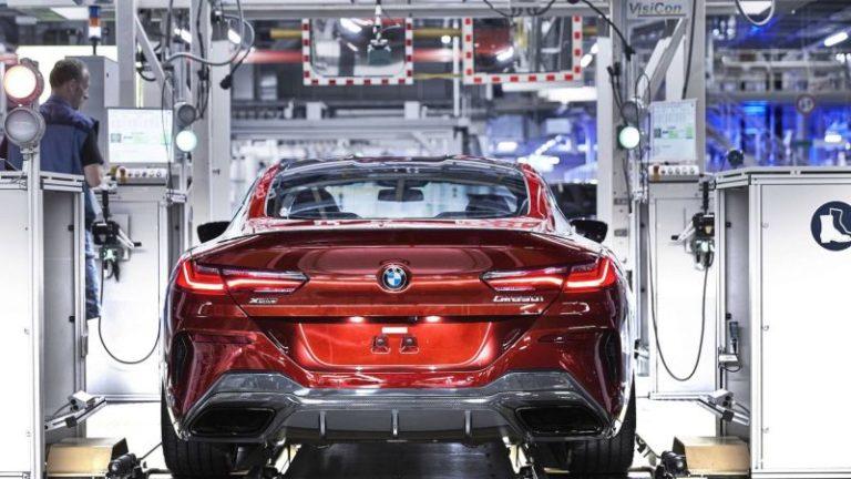 Yeni BMW 8 Serisi üretime girdi!