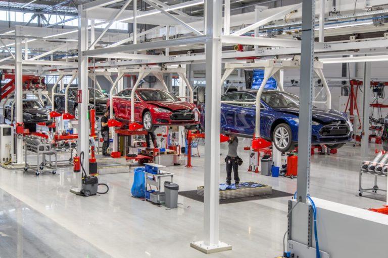 Tesla Model 3 üretimi patladı!