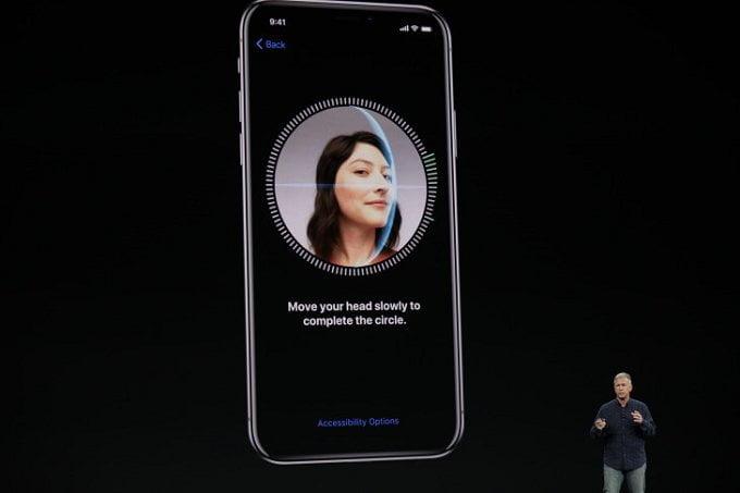 Apple'dan ilginç bir FaceID reklamı daha