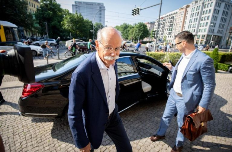 Mercedes-Benz işbirliğine gidiyor!