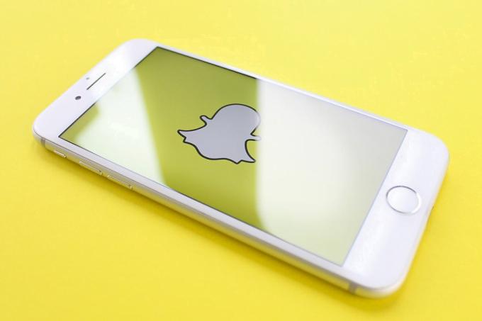 Snapchat kan kaybetmeye devam ediyor