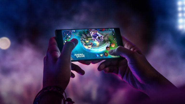 Razer Phone 2 bu kez de AnTuTu'da görüldü