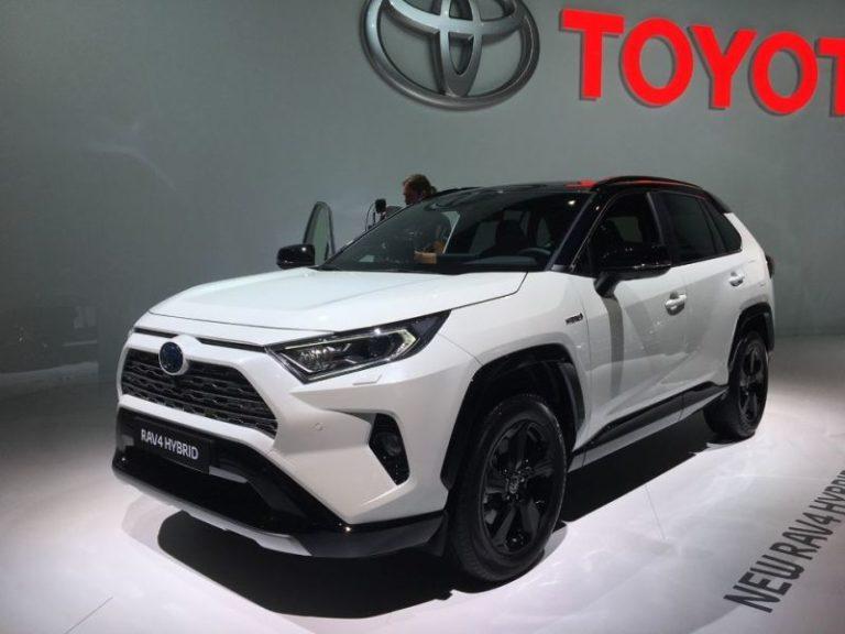 Toyota RAV4 Hybrid Paris'te görücüye çıktı!