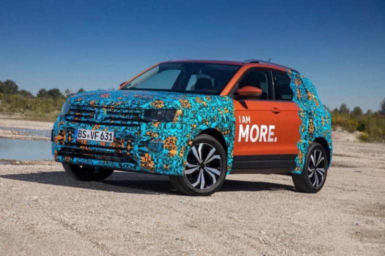 Volkswagen T-Cross saatler sonra yüzünü gösterecek!
