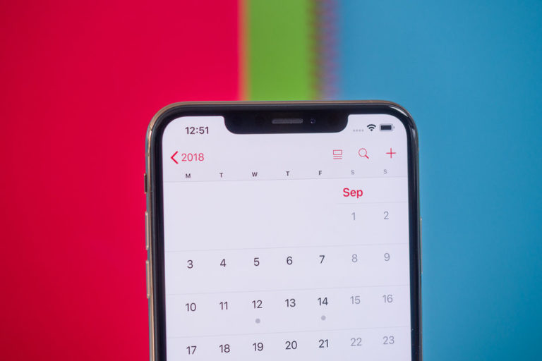 Apple çentikli tasarımdan vazgeçiyor