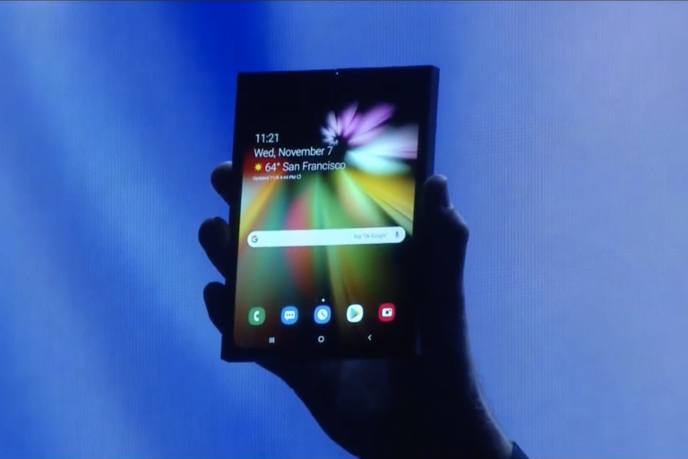 Samsung katlanabilir telefon ile karşımıza çıktı!
