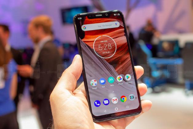 Motorola Android Pie için kolları sıvadı