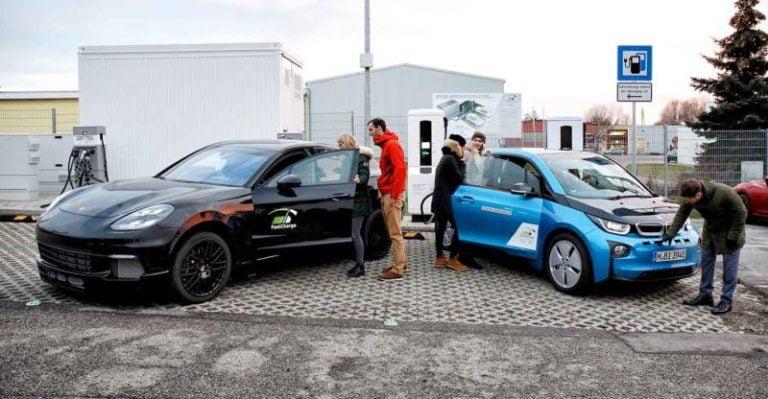 Porsche, BMW ve Siemens ile birlikte geliştirdiği 450 kW'lık FastCharge projesini test etti!
