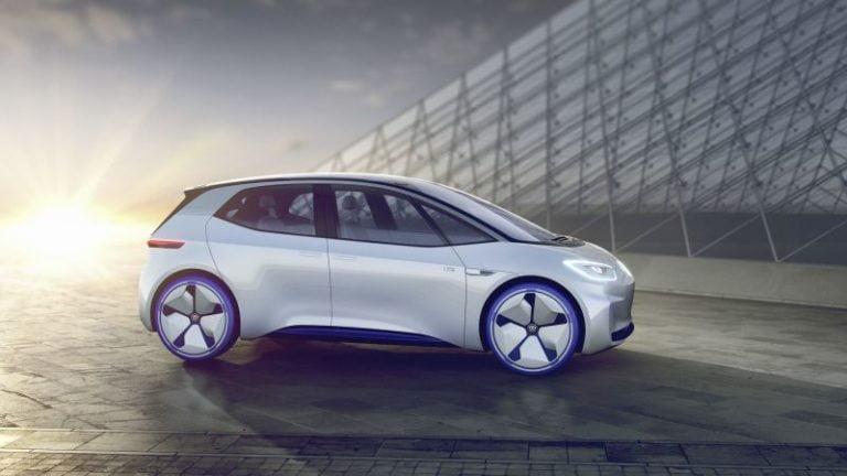 Volkswagen ID hatchback 550 km menzil sunacak!