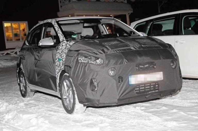Hyundai i10 minik bir şehir otomobilinin olabileceği en zor yerde: Zorlu kış testlerinde!