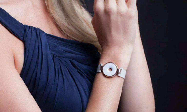 Kadınlar için tasarlanmış akıllı bileklik: Amazfit Moonbeam