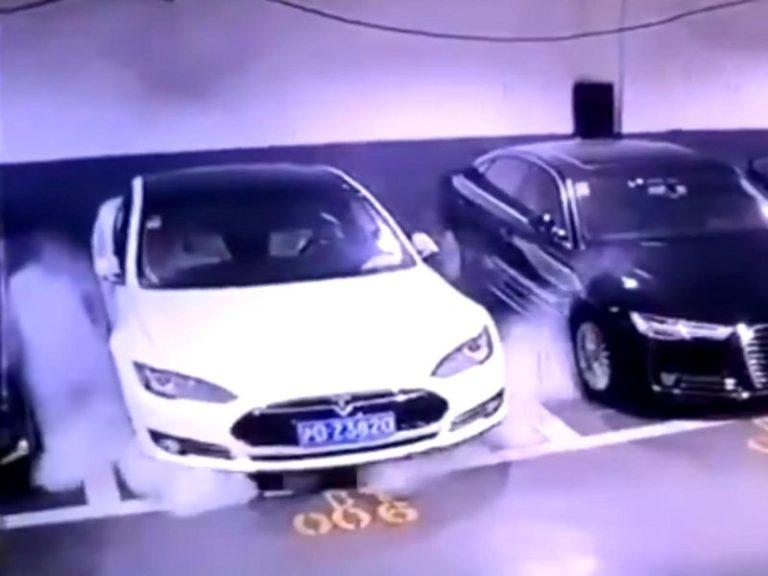 Tesla Model S az kalsın kapalı otoparkı havaya uçuruyordu!