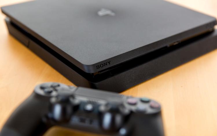 2020'de PlayStation 4 alınır mı?
