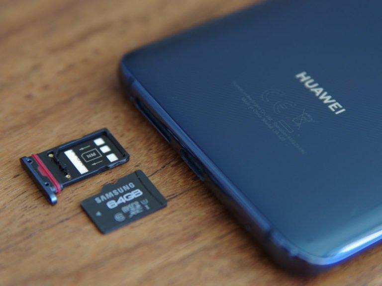 Bir yaptırım daha! Huawei microSD kart kullanamayacak!