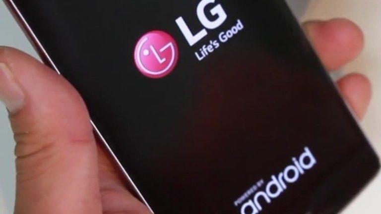 LG Wing! Bu telefonda 2 ekran da üst üste duruyor