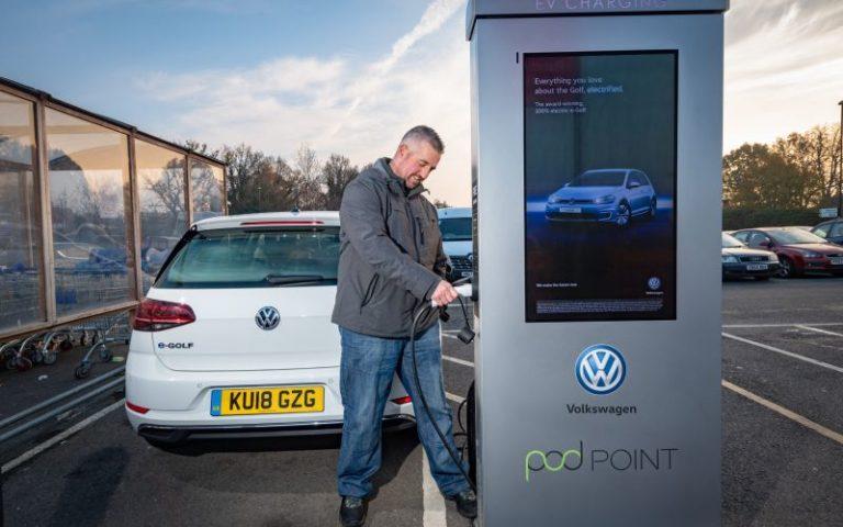 Volkswagen Avrupa'da 36.000 şarj noktası kuracak!